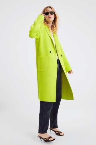 12 prendas low cost verde flúor | abrigo masculino flúor de Zara