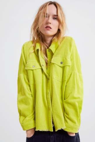 12 prendas low cost verde flúor | camisa de pana flúor zara